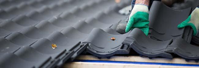 lekkage schuin dak repareren